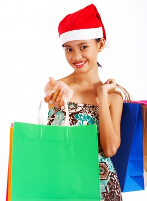 How to Instill a Spirit of Giving in Children This Holiday Season